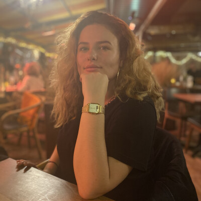 Julia zoekt een Appartement / Huurwoning / Kamer / Studio / Woonboot in Utrecht